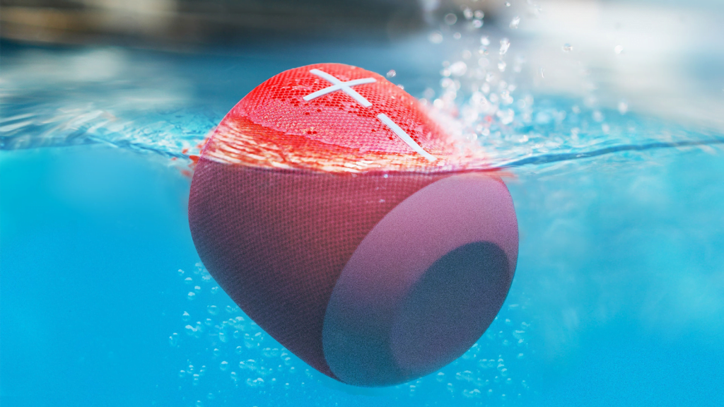 Pros and cons of waterproof speakers