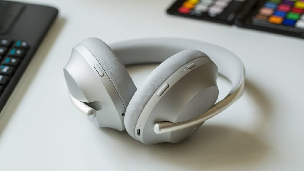 Bose Noise Cancelling headphone 700 for making calls